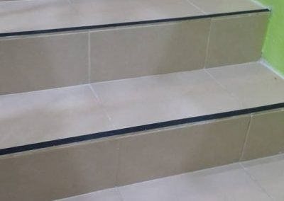 Anti-slip floor for stairs